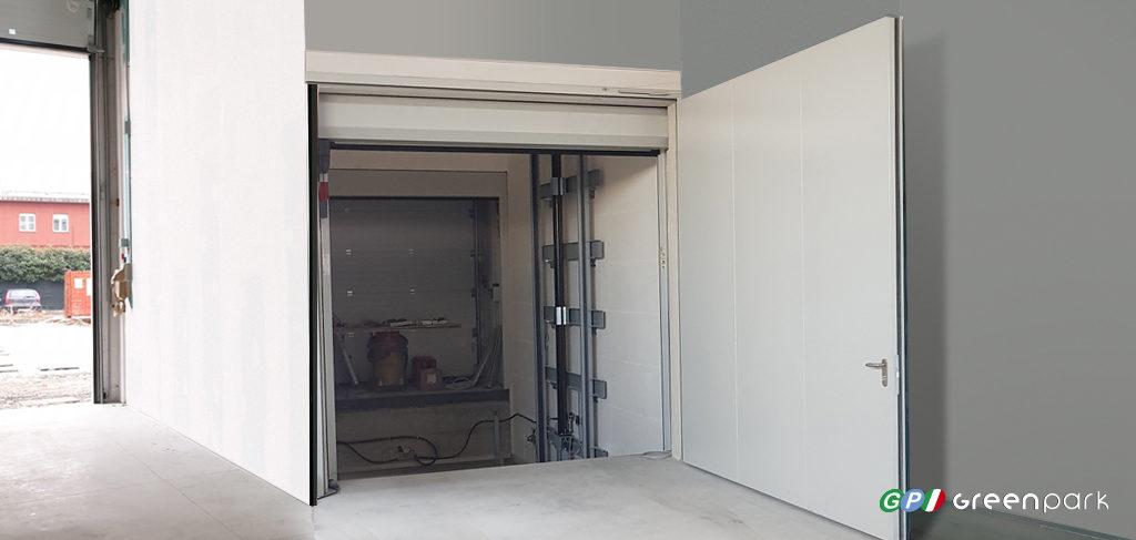 porta tagliafuoco antincendio per chiusura ai piani ascensori per auto green park